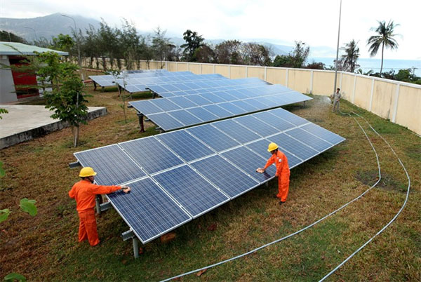 Experts bullish on solar power in VN