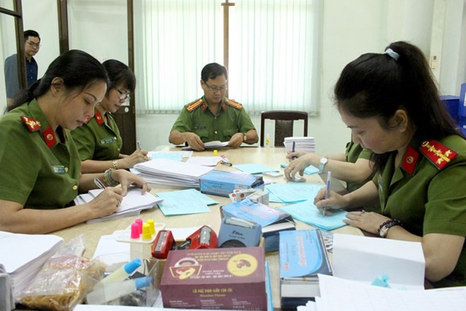 ID cards: Ministry told to address inefficiency, Scientists mull world water shortages, Nearly 1,100 Lao students trained in Thua Thien-Hue, Craft and Design Challenge launched, Vietnam responds to Global Handwashing Day