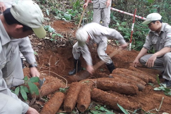 Quang Tri: 27 artillery shells successfully handled