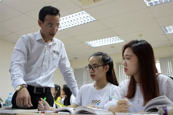 Universities, funds for research, lack, Vietnam economy, Vietnamnet bridge, English news about Vietnam, Vietnam news, news about Vietnam, English news, Vietnamnet news, latest news on Vietnam, Vietnam