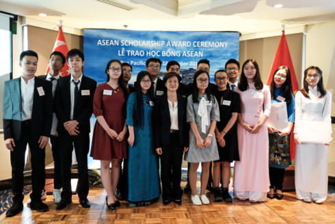 12 Vietnamese students earn ASEAN scholarships, Vietnam education, Vietnam higher education, Vietnam vocational training, Vietnam students, Vietnam children, Vietnam education reform, vietnamnet bridge, english news, Vietnam news, news Vietnam, vietnamnet