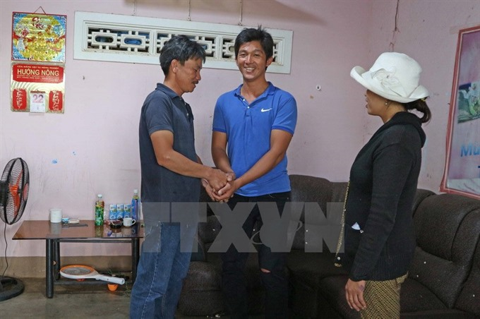 Man awarded certificate for saving two girls from drowning, social news, vietnamnet bridge, english news, Vietnam news, news Vietnam, vietnamnet news, Vietnam net news, Vietnam latest news, vn news, Vietnam breaking news