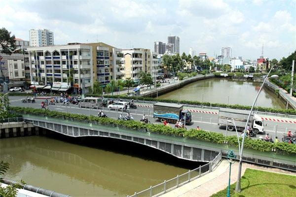 HCM City, planner, 'twin city' model, Vietnam economy, Vietnamnet bridge, English news about Vietnam, Vietnam news, news about Vietnam, English news, Vietnamnet news, latest news on Vietnam, Vietnam