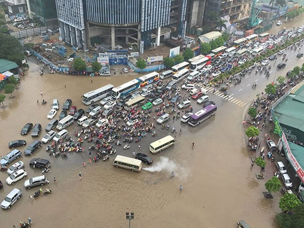 Protect downtown Ha Noi, anti-flood, Vietnam economy, Vietnamnet bridge, English news about Vietnam, Vietnam news, news about Vietnam, English news, Vietnamnet news, latest news on Vietnam, Vietnam