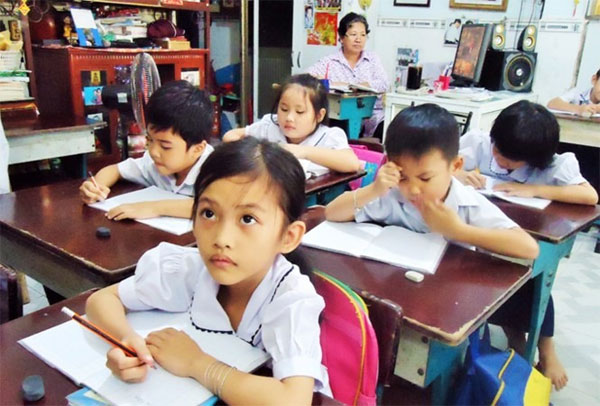 Educating disadvantaged children, charity class, Vietnam economy, Vietnamnet bridge, English news about Vietnam, Vietnam news, news about Vietnam, English news, Vietnamnet news, latest news on Vietnam, Vietnam