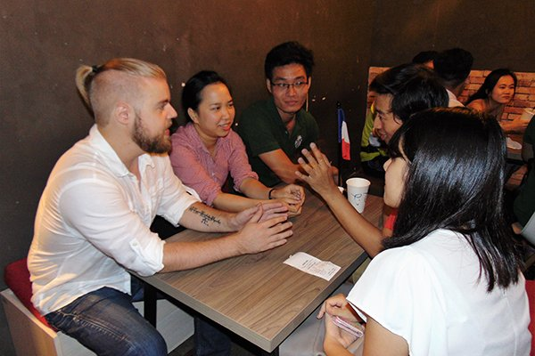 Bon Café attracts guests via language exchange, travel news, Vietnam guide, Vietnam airlines, Vietnam tour, tour Vietnam, Hanoi, ho chi minh city, Saigon, travelling to Vietnam, Vietnam travelling, Vietnam travel, vn news