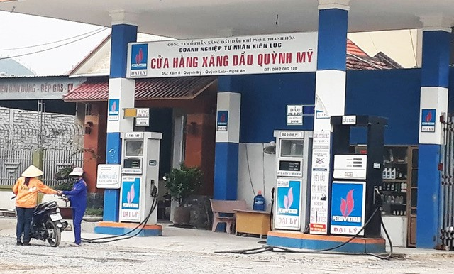 Two poor-quality petrol sellers to be investigated, Officials seek to stop dumping of 62,000cu.m of mud waste, Viet Nam-Russia Tropical Centre offers hyperbaric oxygen therapy