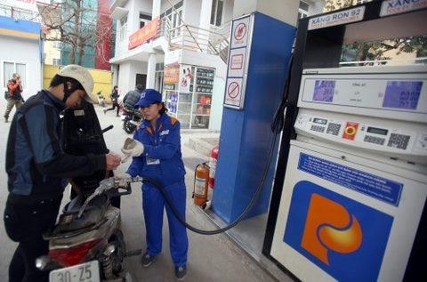 New petrol import tax benefits people, vietnam economy, business news, vn news, vietnamnet bridge, english news, Vietnam news, news Vietnam, vietnamnet news, vn news, Vietnam net news, Vietnam latest news, Vietnam breaking news