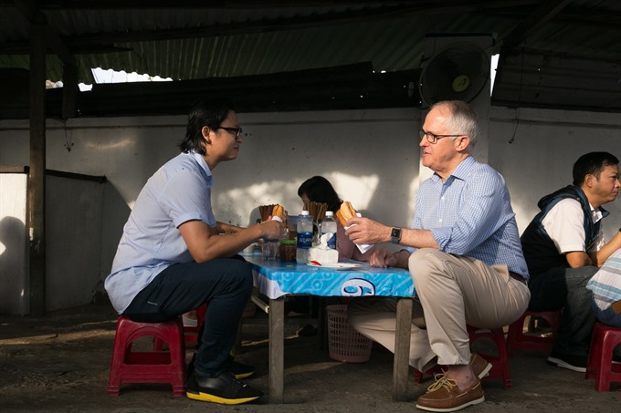 Australian Prime Minister enjoys his first 'Banh mi' in Da Nang, social news, vietnamnet bridge, english news, Vietnam news, news Vietnam, vietnamnet news, Vietnam net news, Vietnam latest news, vn news, Vietnam breaking news