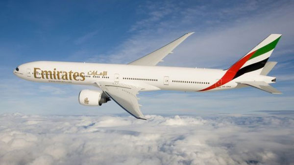 Dubai Airshow: Boeing wins $15bn order from Emirates