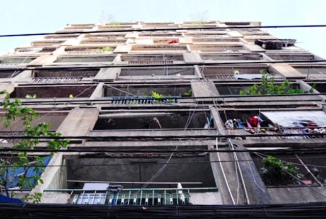 HCM City households relocated over feared apartment collapses, social news, vietnamnet bridge, english news, Vietnam news, news Vietnam, vietnamnet news, Vietnam net news, Vietnam latest news, vn news, Vietnam breaking news