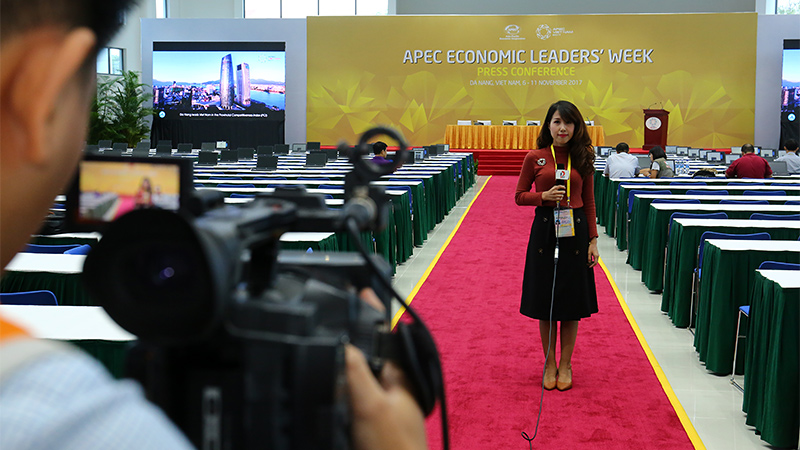Highlights of the first day at APEC media headquarters