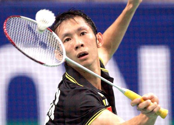Facile wins for VN badminton couple