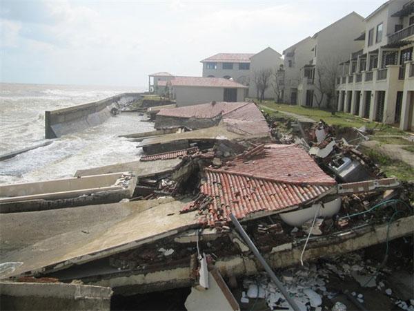 Rain, waves and rising seas erode Hoi An beaches