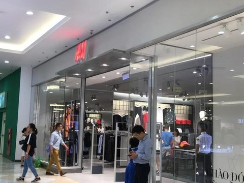 Foreign brands up the ante in fashion market, vietnam economy, business news, vn news, vietnamnet bridge, english news, Vietnam news, news Vietnam, vietnamnet news, vn news, Vietnam net news, Vietnam latest news, Vietnam breaking news