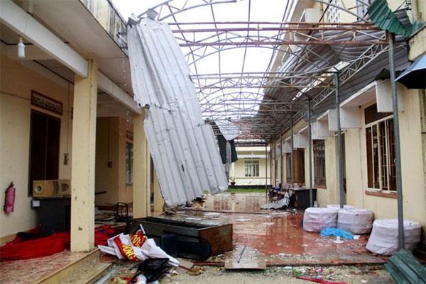 Typhoon Damrey costs Khanh Hoa workers their jobs
