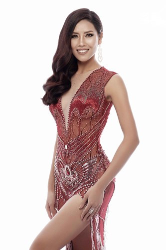 Loan reveals evening gowns for Miss Universe 2017, entertainment events, entertainment news, entertainment activities, what's on, Vietnam culture, Vietnam tradition, vn news, Vietnam beauty, news Vietnam, Vietnam news, Vietnam net news, vietnamnet news, v