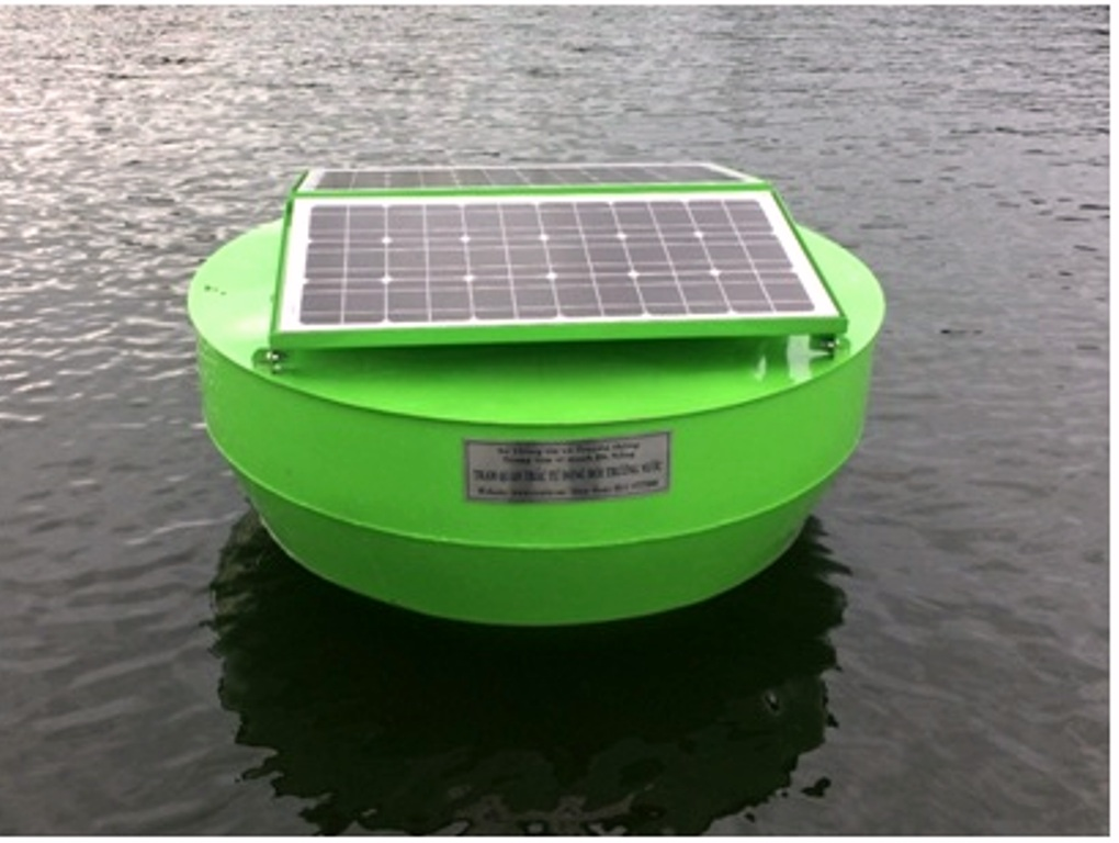 Monitoring the water environment with solar technology