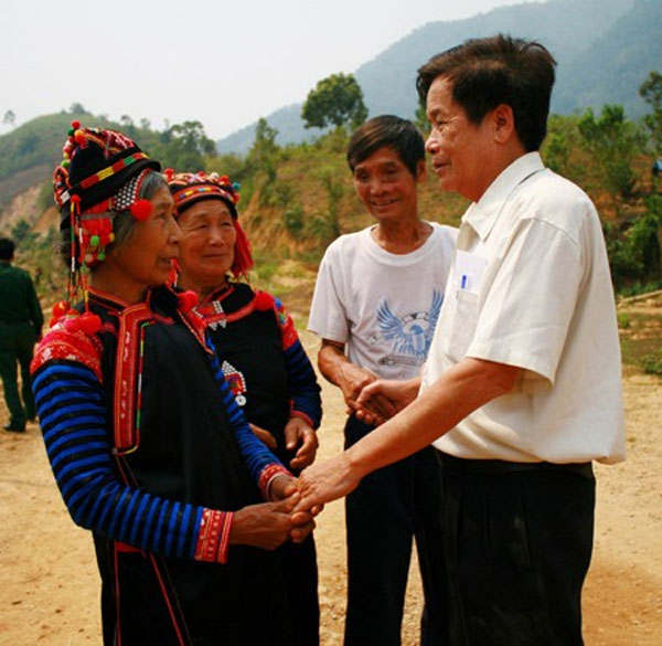 Teacher, remote commune, Vietnam economy, Vietnamnet bridge, English news about Vietnam, Vietnam news, news about Vietnam, English news, Vietnamnet news, latest news on Vietnam, Vietnam