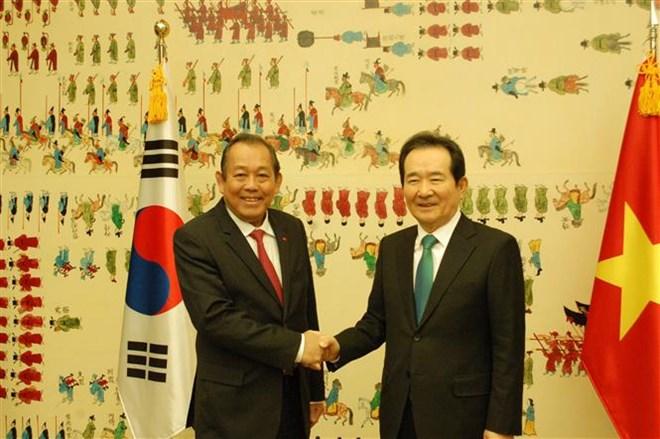 Deputy PM Binh meets top RoK legislator