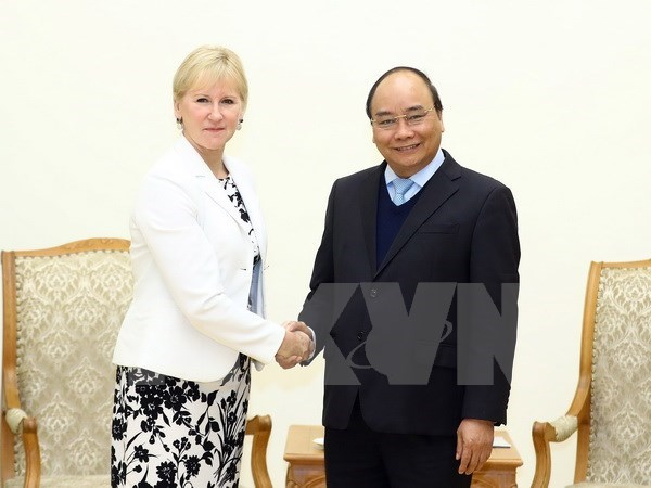 PM Phuc calls for Vietnam-Sweden cooperation expansion