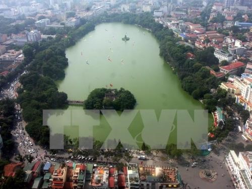 Hanoi to clean Hoan Kiem Lake by year end, Vietnam environment, climate change in Vietnam, Vietnam weather, Vietnam climate, pollution in Vietnam, environmental news, sci-tech news, vietnamnet bridge, english news, Vietnam news, news Vietnam, vietnamnet