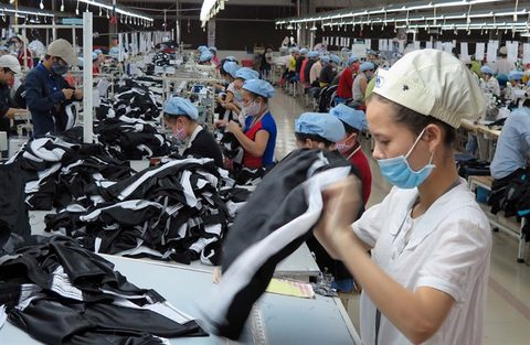 Fast fashion challenges VN firms