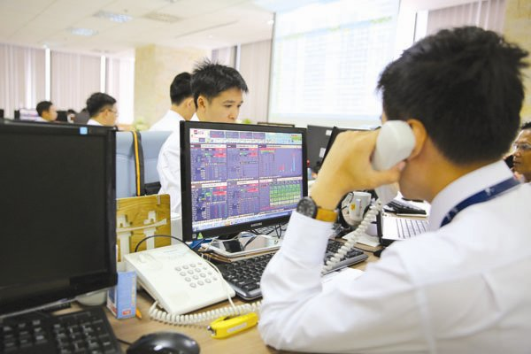 vietnam economy, business news, vn news, vietnamnet bridge, english news, Vietnam news, news Vietnam, vietnamnet news, vn news, Vietnam net news, Vietnam latest news, Vietnam breaking news, SSC, securities companies, HOSE