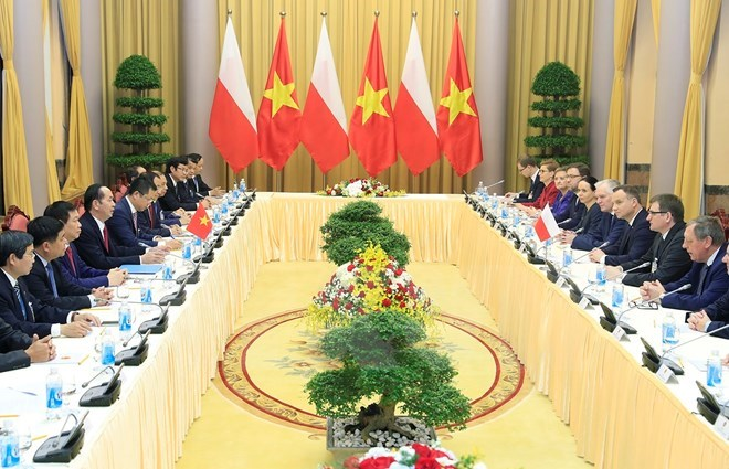 Laos to accelerate procedures to grant citizenship to Vietnamese,