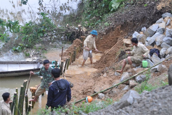 Landslides, riverbank erosion, stop illegal sand mining, Vietnam economy, Vietnamnet bridge, English news about Vietnam, Vietnam news, news about Vietnam, English news, Vietnamnet news, latest news on Vietnam, Vietnam
