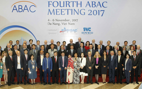 Plenary session of APEC Business Advisory Council 2017 opens