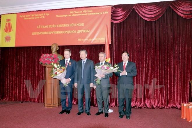 Friendship Order presented to Russian security leaders, Government news, Vietnam breaking news, politic news, vietnamnet bridge, english news, Vietnam news, news Vietnam, vietnamnet news, Vietnam net news, Vietnam latest news, vn news