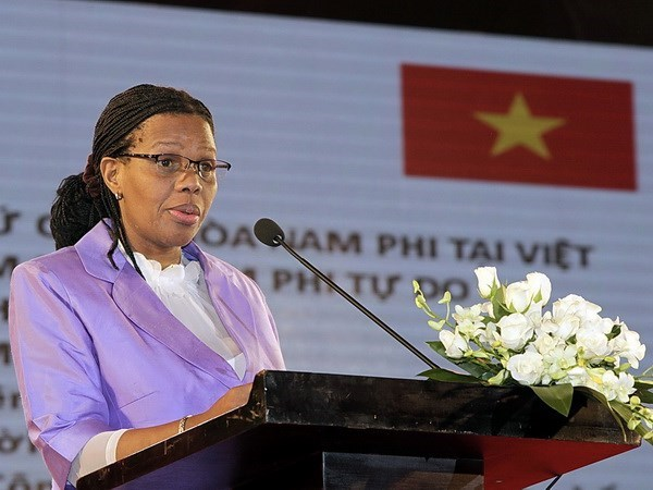 South African Ambassador honoured with friendship insignia, Government news, Vietnam breaking news, politic news, vietnamnet bridge, english news, Vietnam news, news Vietnam, vietnamnet news, Vietnam net news, Vietnam latest news, vn news