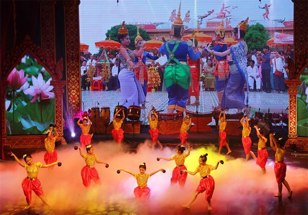 Khmer traditional dances, Khmer artisans, folk culture training classes, Vietnam economy, Vietnamnet bridge, English news about Vietnam, Vietnam news, news about Vietnam, English news, Vietnamnet news, latest news on Vietnam, Vietnam