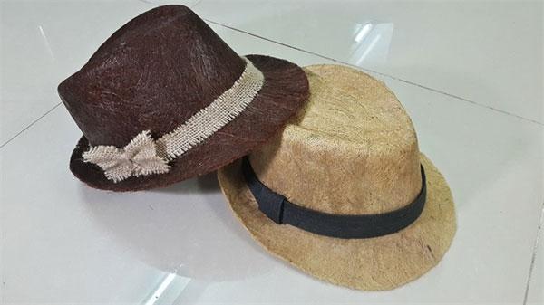 Ben Tre, coconuts make stylish hats, Vietnam economy, Vietnamnet bridge, English news about Vietnam, Vietnam news, news about Vietnam, English news, Vietnamnet news, latest news on Vietnam, Vietnam