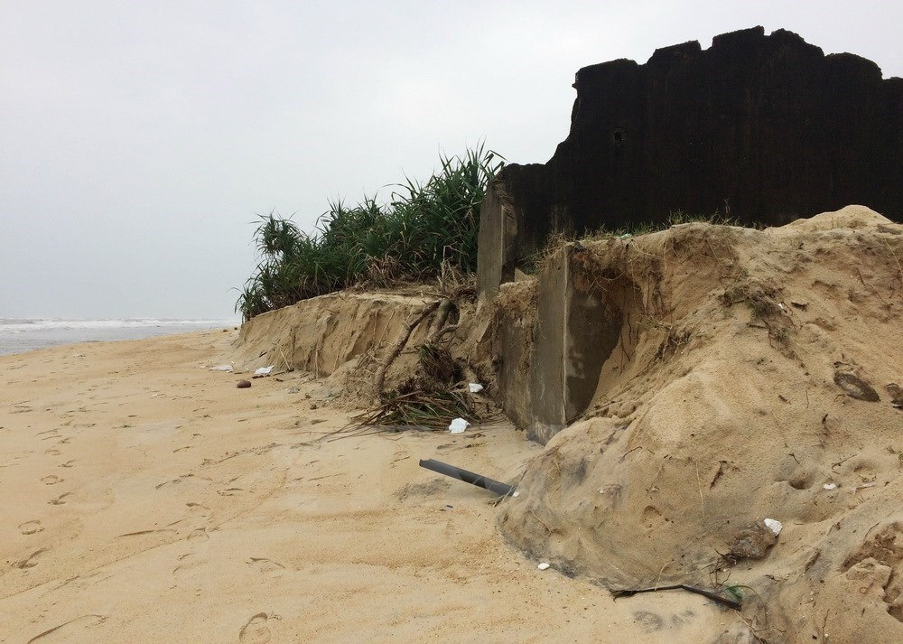 More severe coastal erosion spotted in Thua Thien - Hue, entertainment events, entertainment news, entertainment activities, what's on, Vietnam culture, Vietnam tradition, vn news, Vietnam beauty, news Vietnam, Vietnam news, Vietnam net news, vietnamnet n