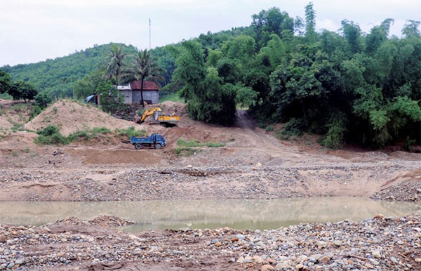Illegal sand mining, damage, Cai River, Vietnam economy, Vietnamnet bridge, English news about Vietnam, Vietnam news, news about Vietnam, English news, Vietnamnet news, latest news on Vietnam, Vietnam