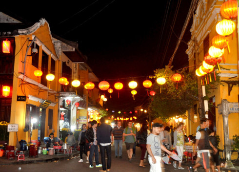 Hoi An ancient town welcomes the New Year, entertainment events, entertainment news, entertainment activities, what's on, Vietnam culture, Vietnam tradition, vn news, Vietnam beauty, news Vietnam, Vietnam news, Vietnam net news, vietnamnet news,