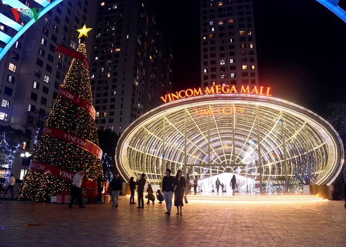 Sparkling Hanoi streets welcome Christmas, entertainment events, entertainment news, entertainment activities, what's on, Vietnam culture, Vietnam tradition, vn news, Vietnam beauty, news Vietnam, Vietnam news, Vietnam net news, vietnamnet news, vietnamne
