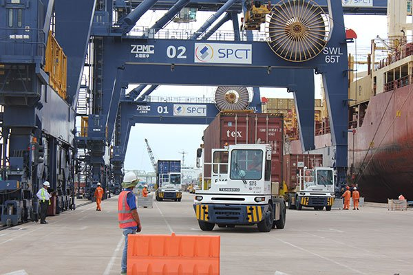 Exorbitant transport costs make Vietnam goods uncompetitive
