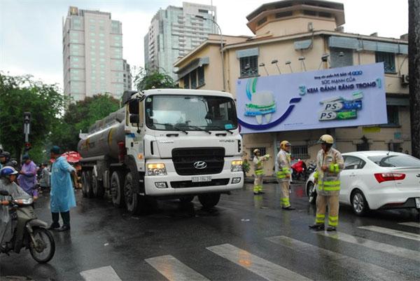 HCM City, illegal trucks, increasing accidents, Vietnam economy, Vietnamnet bridge, English news about Vietnam, Vietnam news, news about Vietnam, English news, Vietnamnet news, latest news on Vietnam, Vietnam