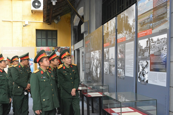 Tears of American former POW as he returns to Hoa Lo prison, entertainment events, entertainment news, entertainment activities, what's on, Vietnam culture, Vietnam tradition, vn news, Vietnam beauty, news Vietnam, Vietnam news, Vietnam net news, vietnamn