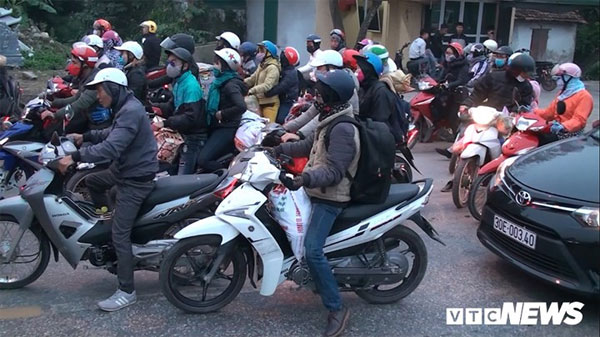 After New Year holidays, Hanoi, heavy traffic congestion, Vietnam economy, Vietnamnet bridge, English news about Vietnam, Vietnam news, news about Vietnam, English news, Vietnamnet news, latest news on Vietnam, Vietnam