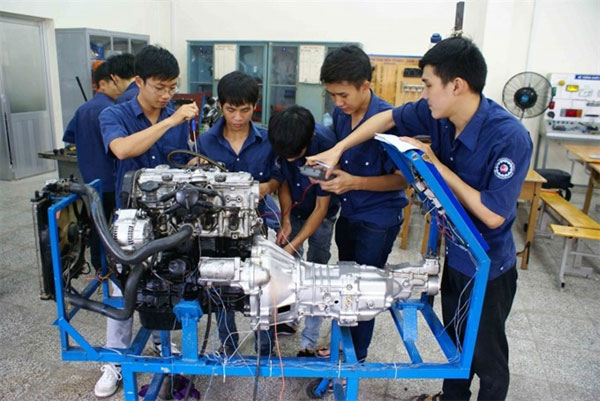 HCM City, vocational schools, tuition fees, Vietnam economy, Vietnamnet bridge, English news about Vietnam, Vietnam news, news about Vietnam, English news, Vietnamnet news, latest news on Vietnam, Vietnam