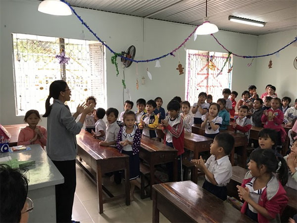 Charity primary school, underprivileged, Vietnam economy, Vietnamnet bridge, English news about Vietnam, Vietnam news, news about Vietnam, English news, Vietnamnet news, latest news on Vietnam, Vietnam