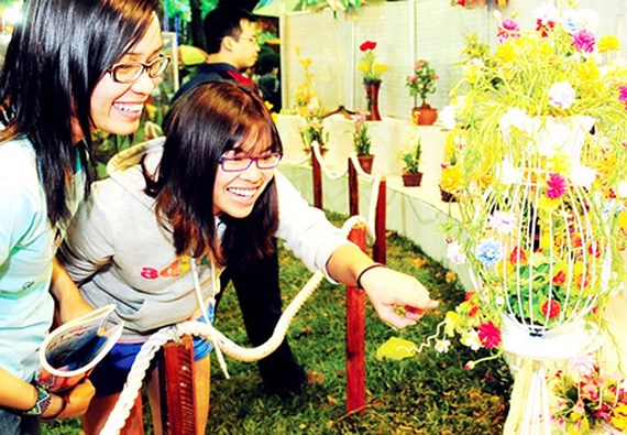 HCM City to hold two spring flower festivals & 130 Tet flower markets, entertainment events, entertainment news, entertainment activities, what's on, Vietnam culture, Vietnam tradition, vn news, Vietnam beauty, news Vietnam, Vietnam news, Vietnam net news