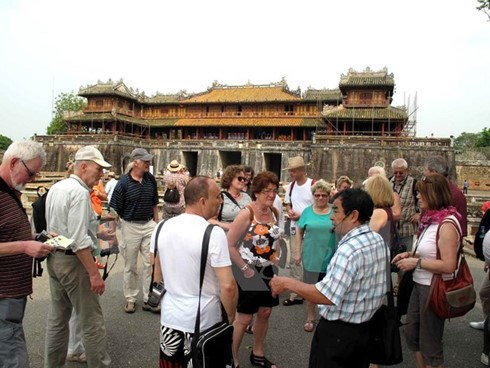 Thua Thien-Hue issues code of conduct for tourists, travel news, Vietnam guide, Vietnam airlines, Vietnam tour, tour Vietnam, Hanoi, ho chi minh city, Saigon, travelling to Vietnam, Vietnam travelling, Vietnam travel, vn news