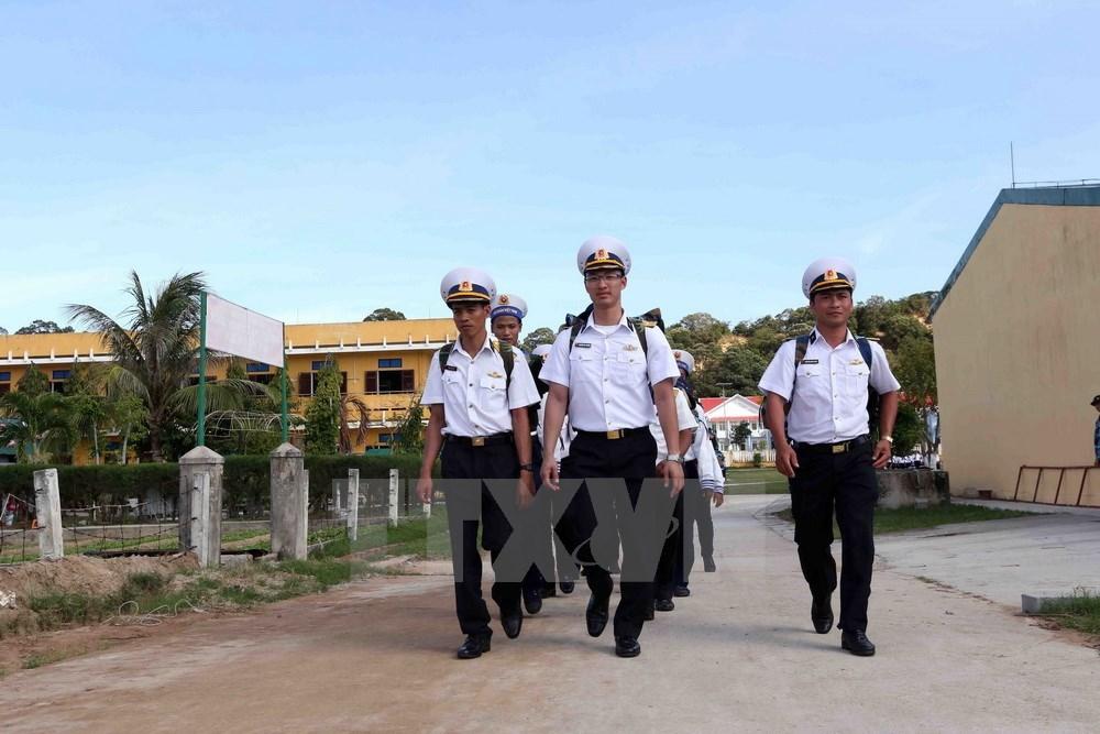 Naval soldiers head towards Truong Sa archipelago, social news, vietnamnet bridge, english news, Vietnam news, news Vietnam, vietnamnet news, Vietnam net news, Vietnam latest news, vn news, Vietnam breaking news