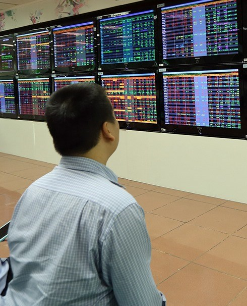 VN Index rises for third day, vietnam economy, business news, vn news, vietnamnet bridge, english news, Vietnam news, news Vietnam, vietnamnet news, vn news, Vietnam net news, Vietnam latest news, Vietnam breaking news