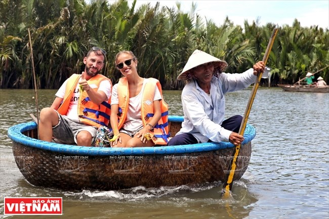 Cam Thanh – Land of Coconuts in Quang Nam, travel news, Vietnam guide, Vietnam airlines, Vietnam tour, tour Vietnam, Hanoi, ho chi minh city, Saigon, travelling to Vietnam, Vietnam travelling, Vietnam travel, vn news